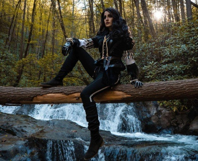 Finally seeing myself as a Cosplay I've wanted to do for years and I love it every bit as much as I hoped I would 😍🖤 Also, I need you all to know I climbed an actual mountain in this Cosplay with @joshsolomon and @lalascosplay for these shots 💪🏽 scooting out on balanced logs, climbing up sheer rock faces, balancing on the edge of waterfalls and it was WORTH IT I can't WAIT for you to see the rest! Pc: @joshs.filmsandphotos Wig: @mrsspookshow Contacts: @ttd_eye Thank you @revolverhaircut for making my Yennefer dream come true!! . . . #yennefer #yenneferofvengerberg #yennefercosplay #thewitcher #thewitcher3 #witcher #witchercosplay #thewitchernetflix #videogamecosplay #cosplayersofinstagram #cosplayphotography #cosplayphoto #cosplayphotoshoot #videogamecosplayer #miccostumes #cosplayersofinstagram #geraltofrivia #geralt #cosplayvscharacter