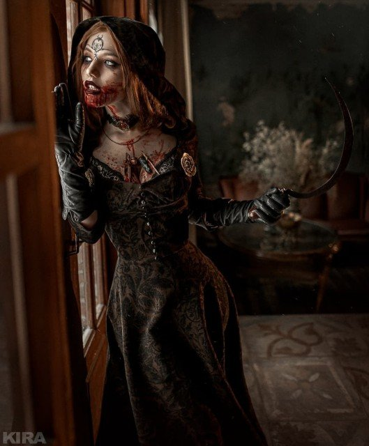 Lady Dimitrescu or Daniella? If we talk about cosplay, I've made my choice when I saw this girl for the first time! Beautiful and scary at the same time, just as I like ❤ Photo: @kmitenkova Costume: @ladalyumos Model: @ladalyumos jewelry: @narash_workshop #residentevil #residentevil8 #residentevil8villjage #residentevilvillage #ladydimitrescu #beladimitrescu #danieladimitrescu #cosplay #cosplayphotography #cosplayersofinstagram #cosplayart