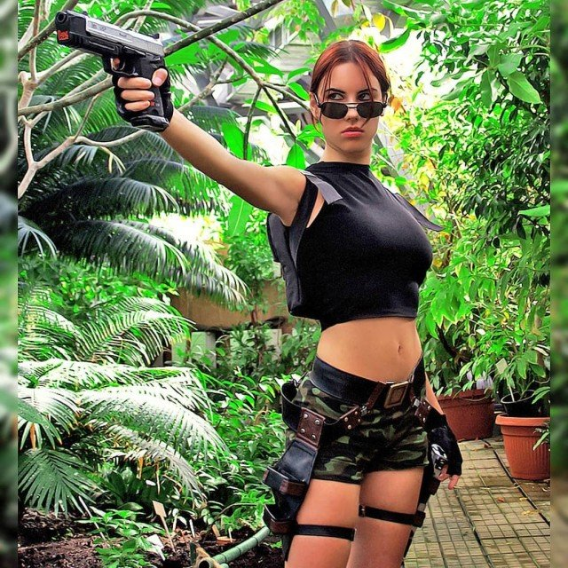 Love this costume a lot 😍.#tombraider #tombraidercosplay #laracroft #cosplay #laracroftcosplay...