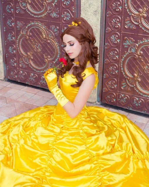 🌹 Beauty & The Beast 🌹I got this costume as...