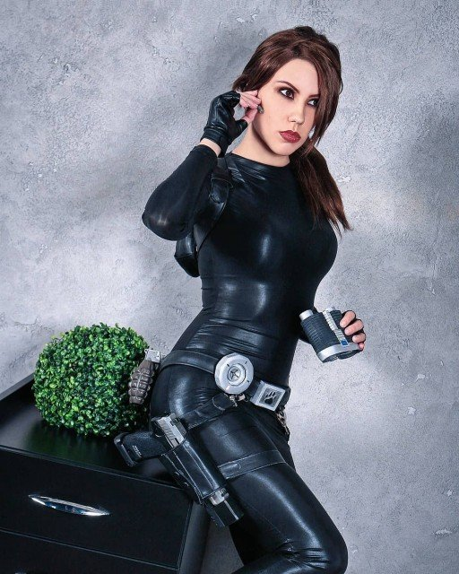 Catsuit. Tomb Raider Legend [2019].Support my cosplay: patreon.com/tanyacroft.#catsuit #trlegend #laracrofttombraider...