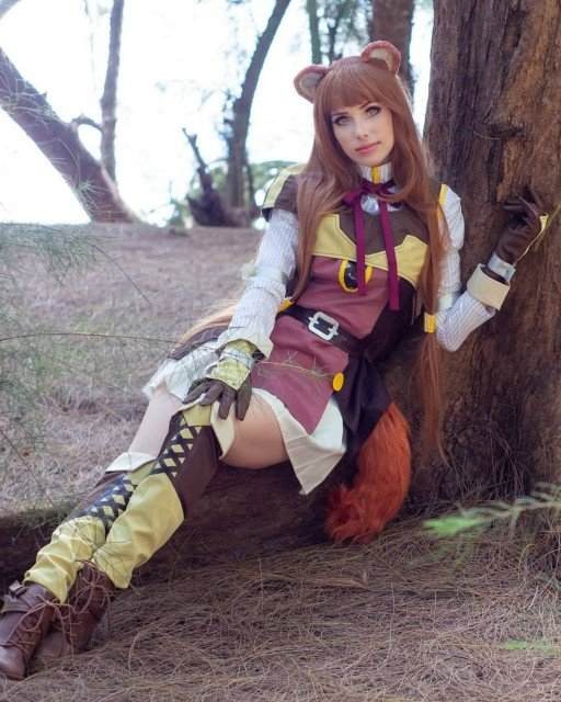 Oh to be a cute animal girl in the woods......